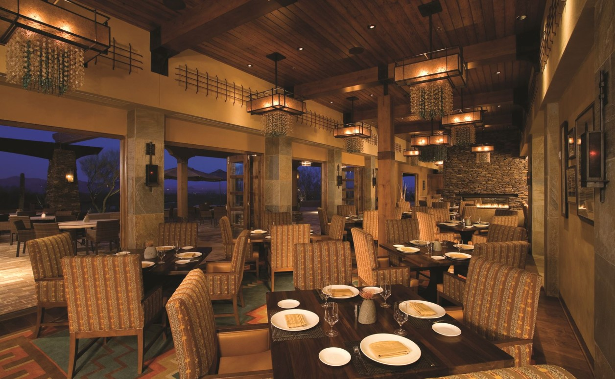 Dining at The Golf Club, just another perk for homeowners of the luxury Dove Mountain homes at The Ritz-Carlton Residences.