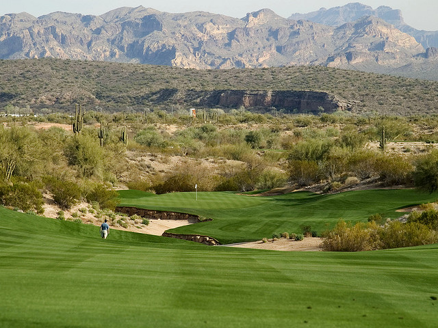 Check out this all in one guide to Tucson golf vacations!